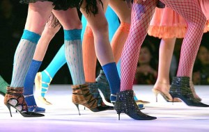 Красивая походка на каблуках фото