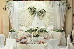 svadebniy-stol